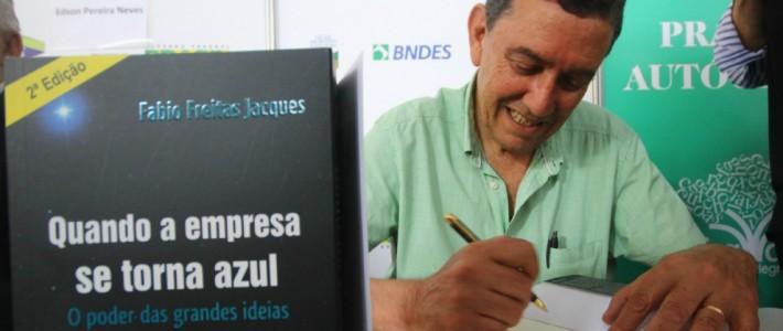 Autógrafos de Fabio Jacques são destaque na imprensa